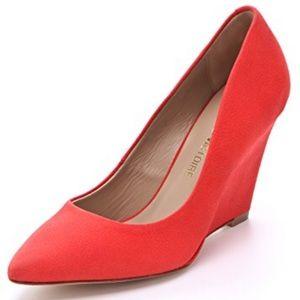 Pour La Victoire Mai coral wedge heels